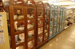 コスモスペースではブランド食器の販売をしています!