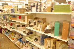 コスモスペースではギフト・贈答品などの食器の販売をしています!