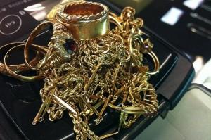 コスモスペースでは金・プラチナ製品のアクセサリーを買取をしています!