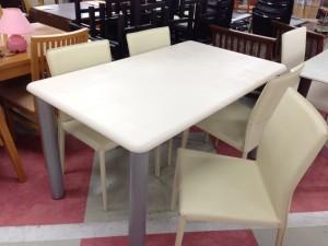 ダイニングテーブル完成品写真