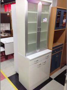 ホワイト食器棚の写真