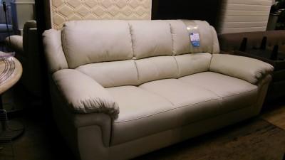 新品白ソファー