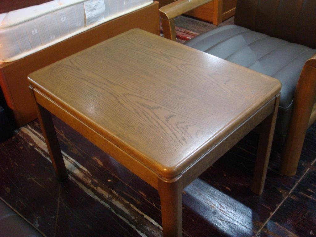 カリモク応接テーブル