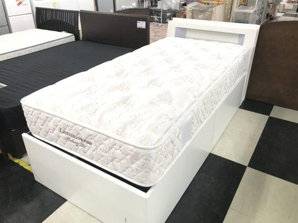 リユースされたシングルベッド
