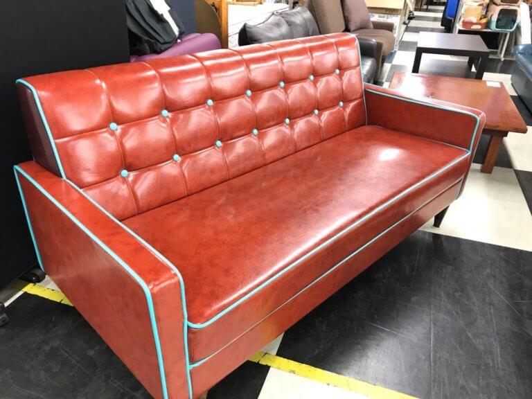 中古ソファー 家具屋さんにあまりないデザイン